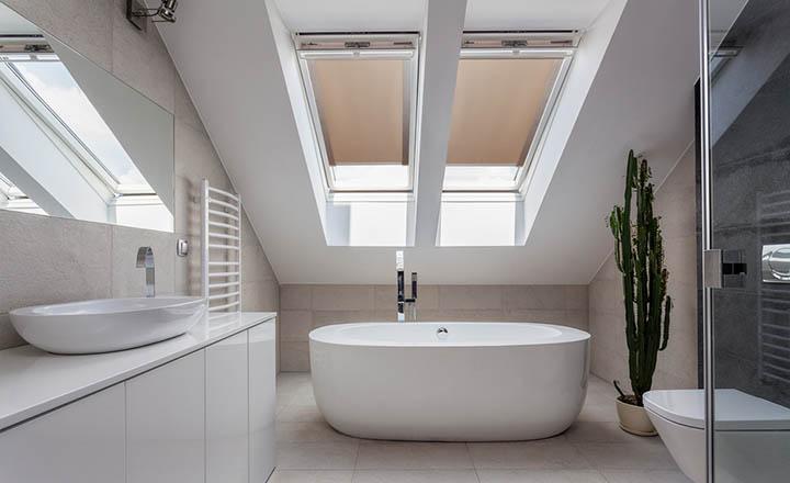 Rolety dachowe do łazienki