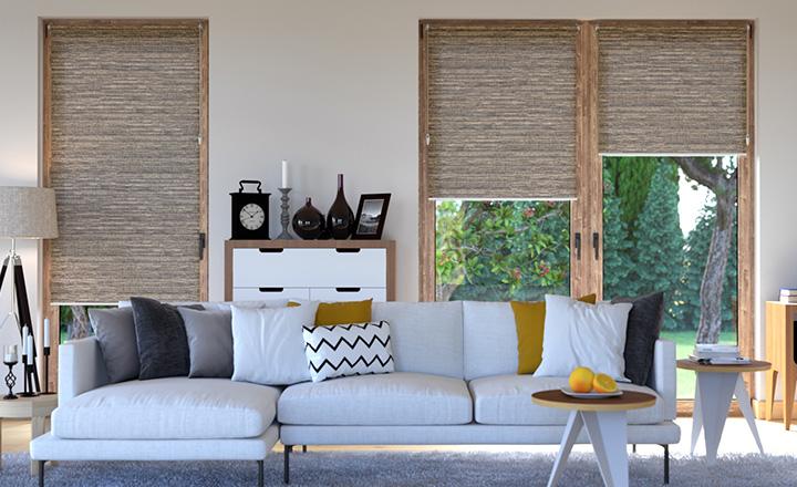 Rolety materiałowe w minimalistycznym wnętrzu