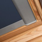 Podgląd: Roleta dachowa pasująca do okien dachowych marki VELUX ®, Zaciemniająca